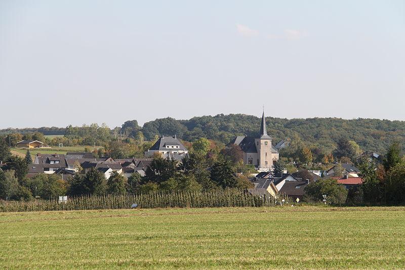 800px_Blick_auf_Karweiler__Gemeinde_Grafschaft_.jpg